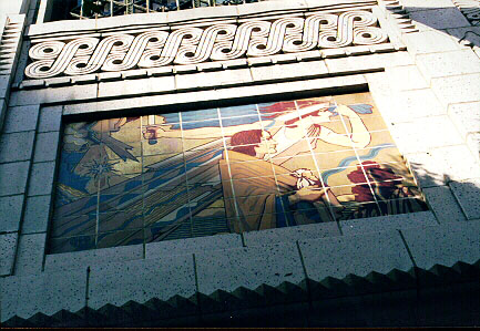 Mural on The Facade of The Los